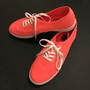 Vans Off The Wall 9 Skate Sneakers NEW